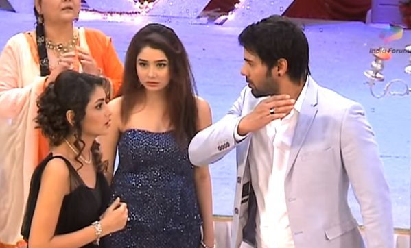 Abhi to SLAP Pragya in Kumkum Bhagya?
