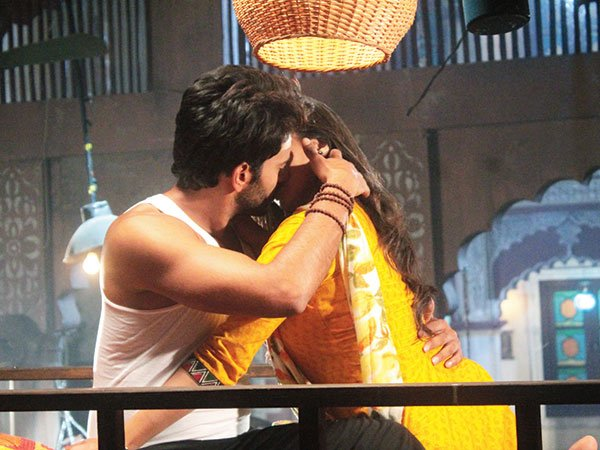 Atharv and Vividha to KISS AGAIN in Star Plus' Jaana Na Dil Se Door?