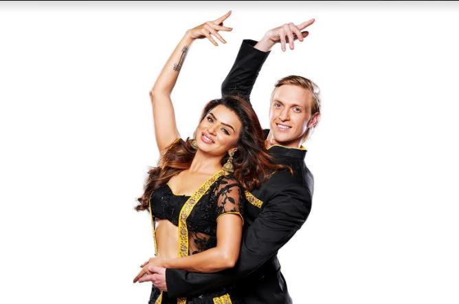 The DATE is set; Aashka Goradia and Brent Goble to tie the knot on December 3!