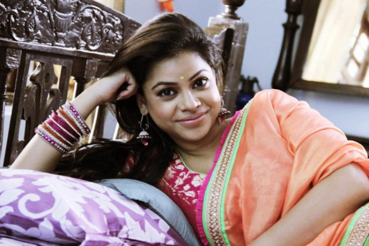 Sumona Chakravarti faints on the sets of her ongoing show Dev