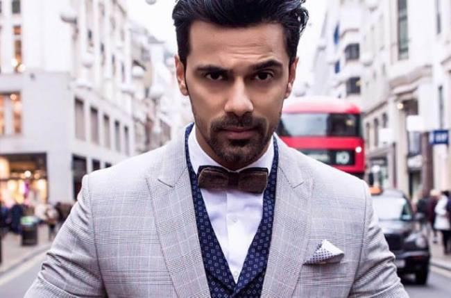 Anuj Sachdeva is ashamed to be an Indian!