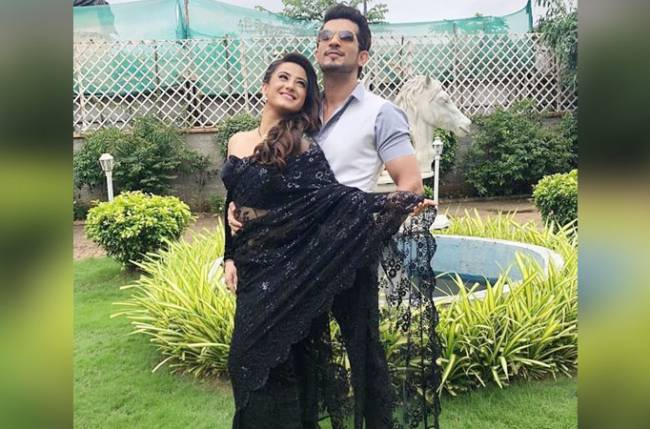 Arjun and Aalisha show their fun side; recreate a scene from Yeh Jawani Hai Deewani