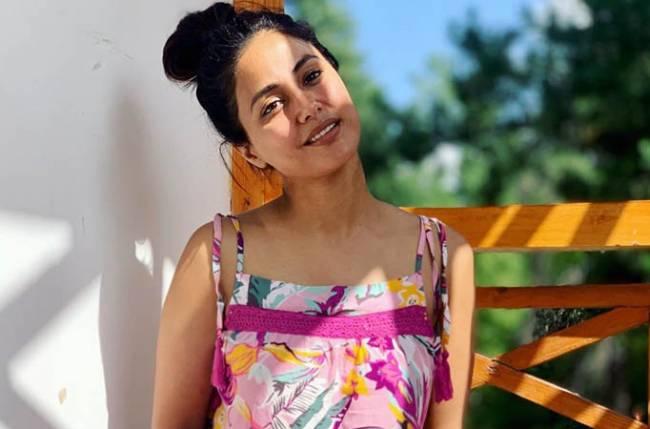 Hina Khan looks RAVISHING without MAKEUP; check out her photos