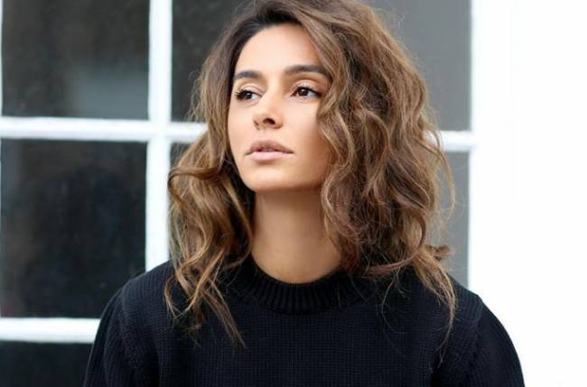 You look comfortable only if you feel comfortable: Shibani Dandekar