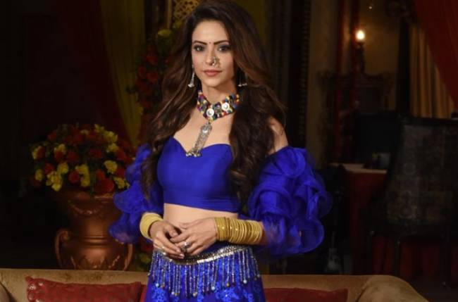 Kasauti Zindagi Kay actress Aamna Sharif plans to spent 1 lakh on THIS special attire from Gujrat?