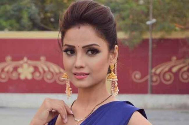 Adaa Khan gets candid about her latest music video