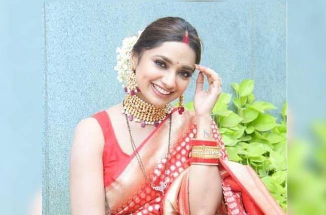 Jiya Shankar of &TV's show Meri Hanikarak Biwi is one glamorous diva, these pictures are proof