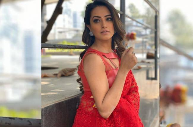 In the times of Coronavirus, Naagin 4 actress Anita Hassanandani unleashes her WITTY side